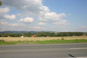 Voßheide: Sicht auf Hasebeck, hinten-der-Sternberg!